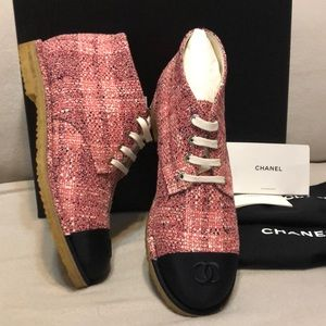 New Chanel Pink Black Tweed Lace Up Shoes 39.5